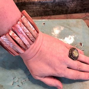 Jewelry - Mother of Pearl Light Coral Shell Bracelet